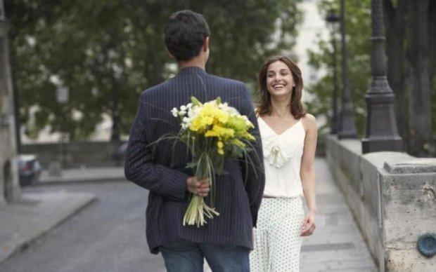 Побачення киянки з інтернет-коханцем закінчилося зухвалим пограбуванням
