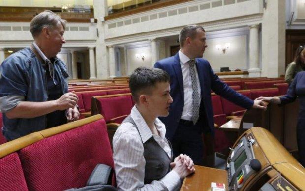 Савченко тоже заинтересована в скандале вокруг военного переворота, - Вакаров