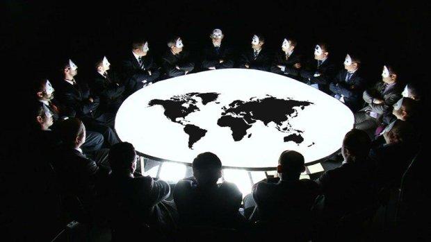 Всемирный заговор: Google, Facebook и YouTube вновь собирают на вас досье