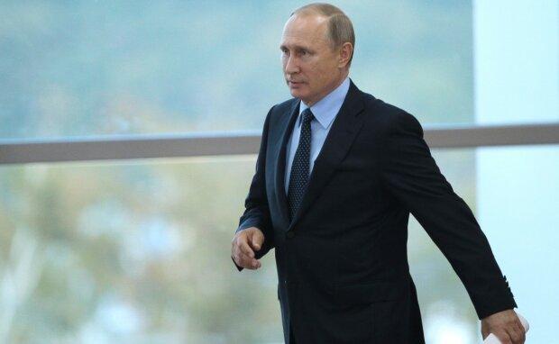 """Двойник Путина в нелепом костюме выдал себя на глазах у всех: """"Забыли прицепить..."""""""