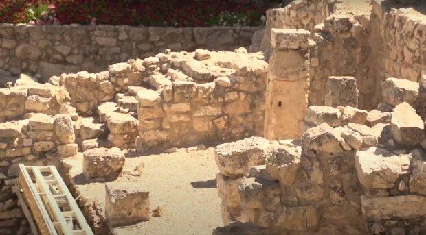 Археологічні розкопки, скріншот з відео
