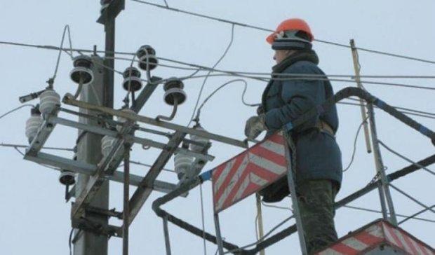 Дві доби поновлюватимуть постачання електрики на півострів
