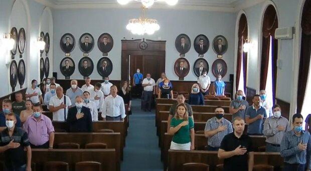 Черновицкий городской совет, скриншот с видео