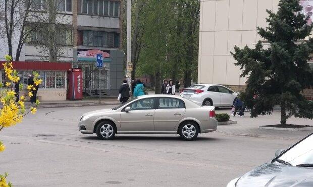 """""""Катай або підірву"""": під Запоріжжям таксист ледь не повернувся додому в труні"""