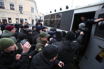"""Копы решили оправдаться после скандальных задержаний и """"Ложись, Бандера!"""""""