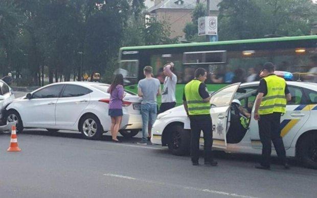 Авто популярного такси снова попало в ДТП, есть пострадавшие