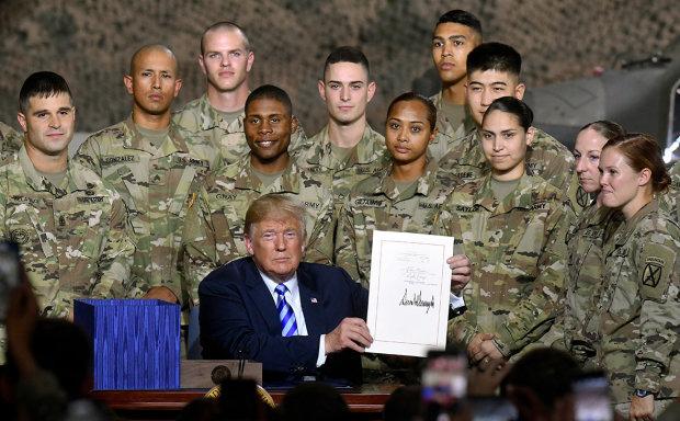 Пентагон показав дорожню карту по виведенню військ з Сирії: Трамп вирішив закосити під Кеннеді