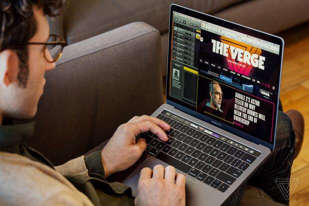 MacBook PRO, Фото з сайту Mac