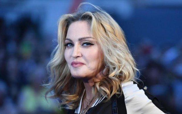 Сдурела на старости лет: Мадонна показала голое фото