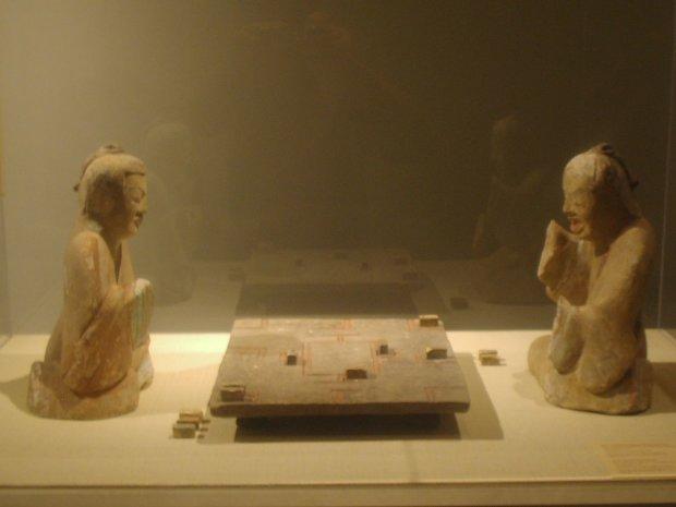 У гробниці імператора знайшли втрачені правила найдавнішої гри