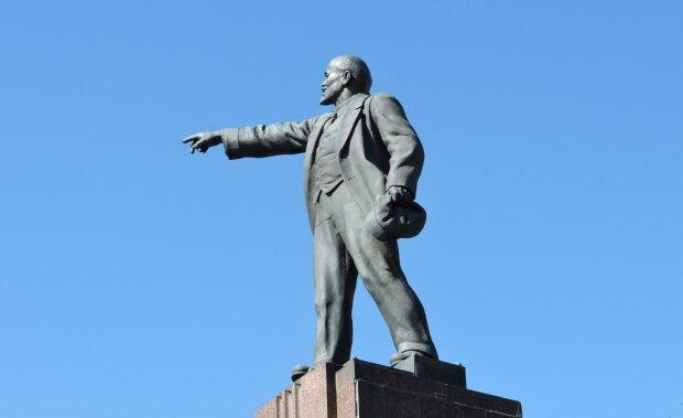 Даремно демонтували? В Україні зріс попит на Леніна