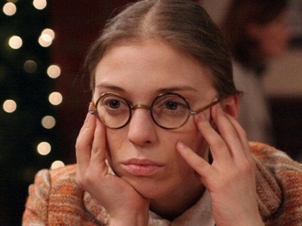 """Звезда сериала """"Не родись красивой"""" Уварова избавилась от волос: """"Никогда не будет эталоном женской красоты"""""""