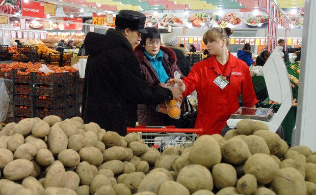 """Ціни на картоплю у Дніпрі б'ють рекорди: скільки доведеться викласти за """"другий хліб"""", - краще присядьте"""