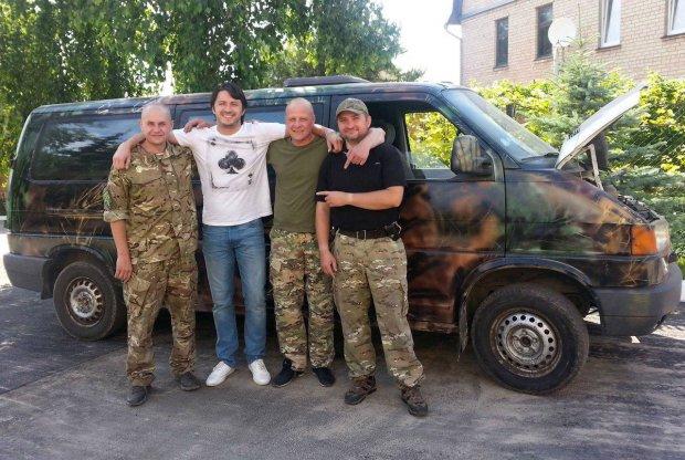 """""""Навіть дитина віддає останні 200 гривень, щоб врятувати героїв"""": українці довели Притулу до сліз, такої доброти і єднання не було ніколи"""