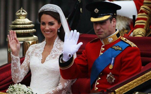 В сети сравнили обручальные кольца сестер Миддлтон и Ализе Тевене: драгоценные украшения с сапфирами и бриллиантами