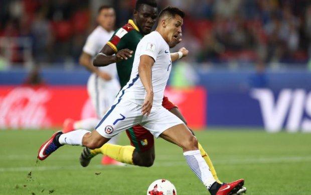 Звезда сборной Чили продемонстрировал травму, с которой играет на Кубке конфедераций