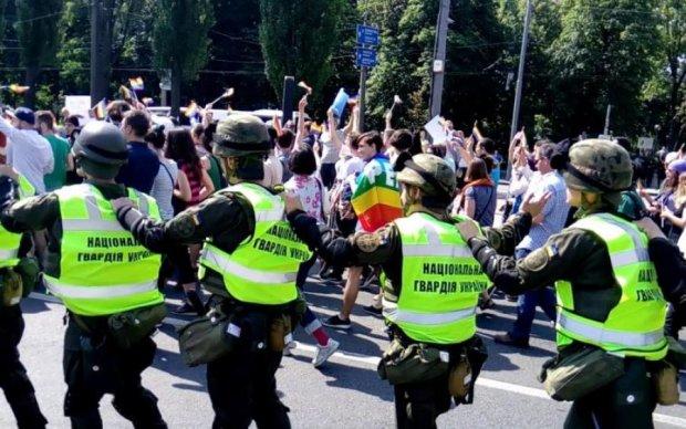 У Києві радикали і геї влаштували криваві доганялки: десятки затриманих