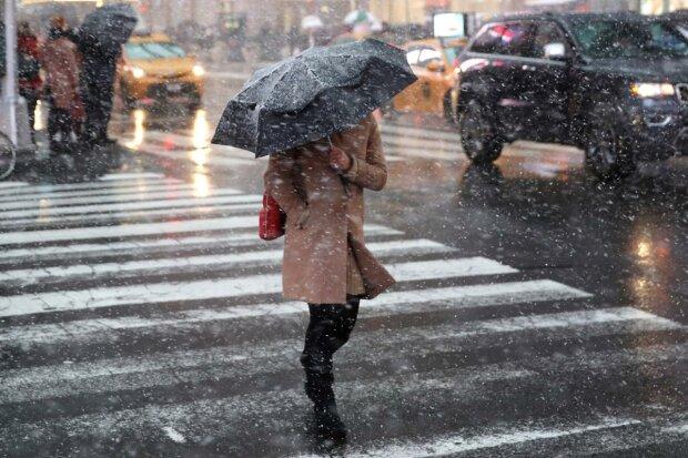 Дощ зі снігом влаштують місиво у Франківську: різка зміна погоди виб'є з колії 11 грудня