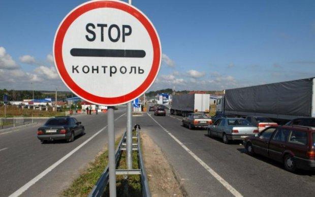 Польща злякалася та відгороджується стіною від України