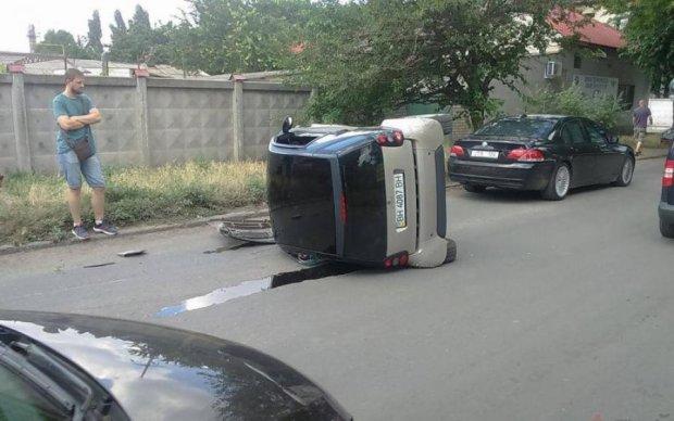 Кривава ДТП під Києвом вбила цілу сім'ю: моторошне відео