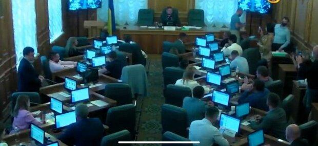 """Слуги Зеленського """"порізали"""" Хмельниччину на три частини, українці повстали"""