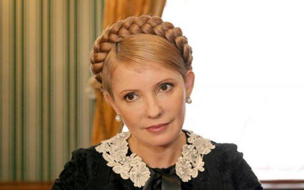 Тимошенко рассмешила соцсети своим новым луком