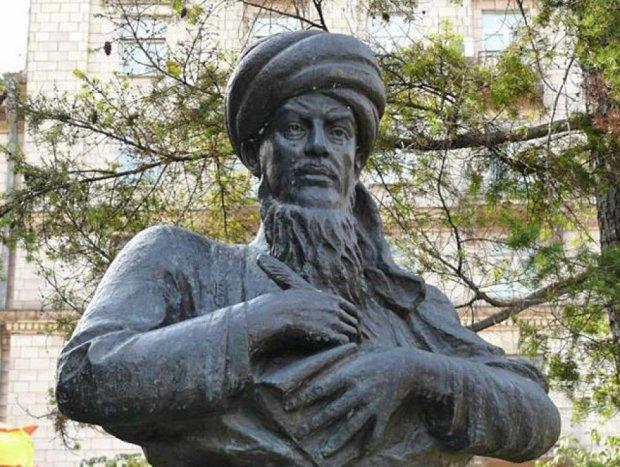 В Києві голуби образили туркменського філософа