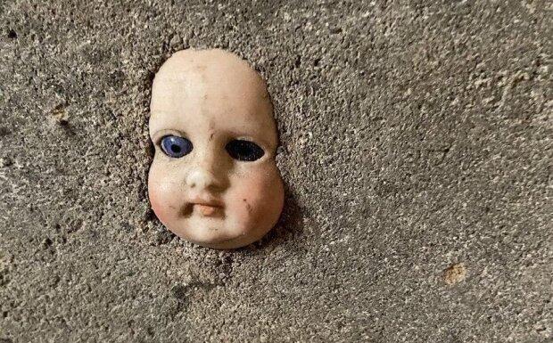"""Дівчина переїхала в новий будинок і виявила в підвалі замуровану """"сусідку"""""""