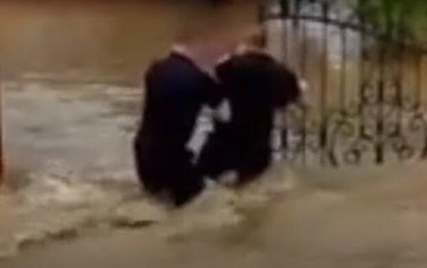 На Тернопольщину идет большая вода - спасатели бьют тревогу, Закарпатье перед глазами