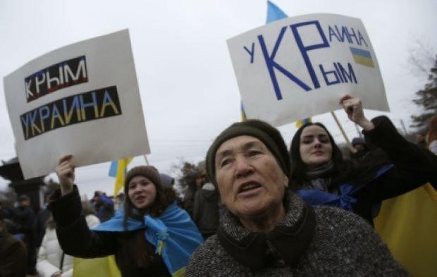 """Правозахисники обурені """"інформаційним гетто"""" у Криму"""