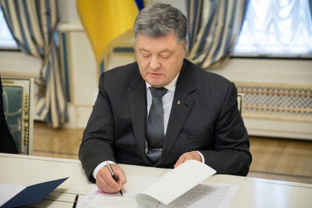 """""""Це тільки початок"""", - Порошенко заговорив про повномасштабну війну, здригнулися навіть найстійкіші"""