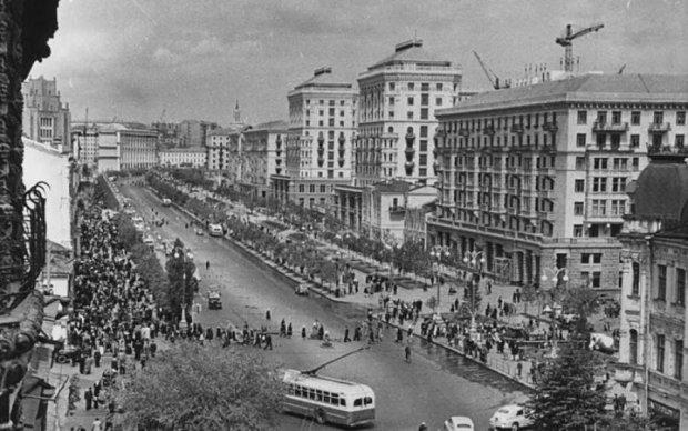 Яким він був раніше: вражаючі раритетні знімки київського вокзалу