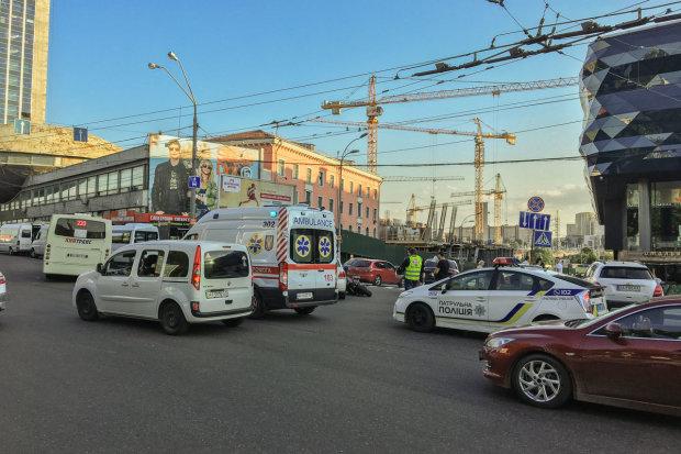 Відірвало ноги: моторошна аварія в Києві скалічила десяток людей