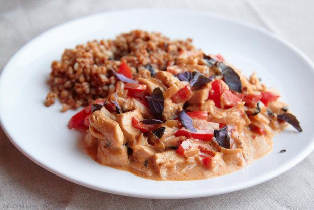 Быстрый рецепт куриного филе с базиликом