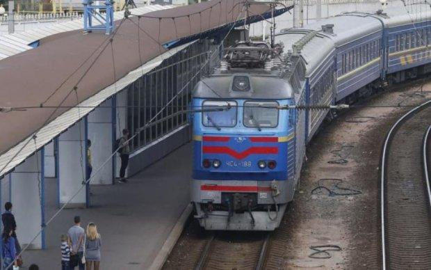 Укрзалізниця переходить на літній час: що потрібно знати пасажирам