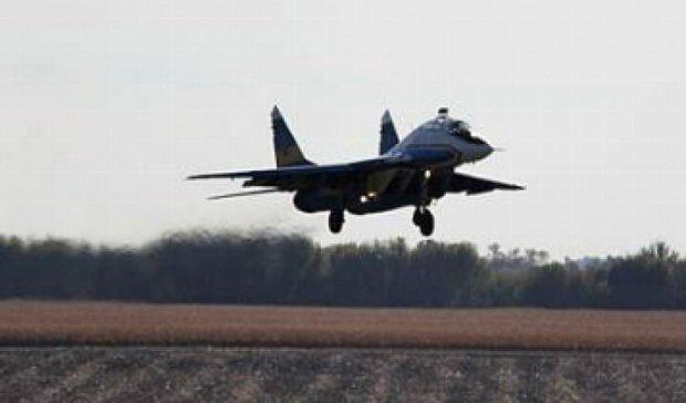 Летчики потренировались садиться на трассу Киев-Одесса (фото)