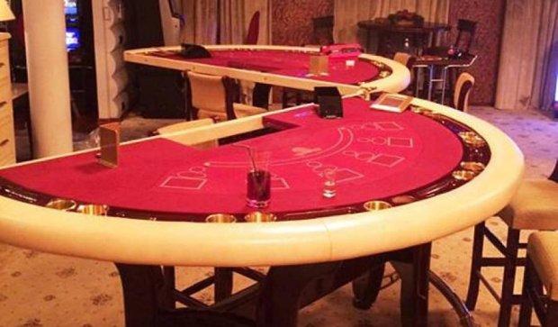 На столичном Подоле ликвидировали казино на воде (фото)