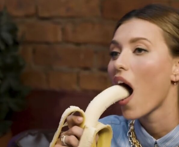 Тодоренко запалює з бананом, скріншот з відео