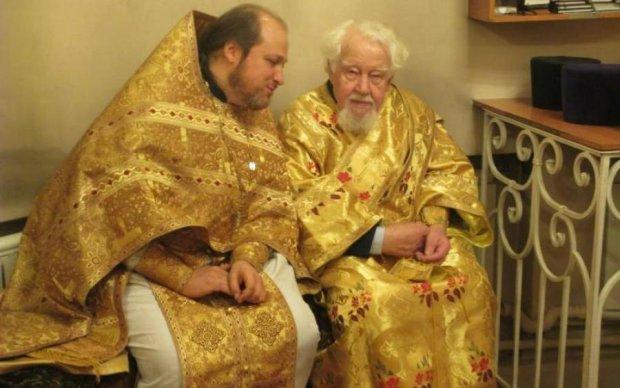 А де ж рефері? Російські попи влаштували місиво просто у церкві