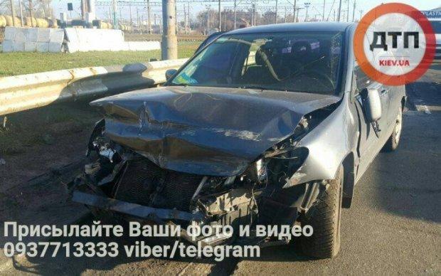 Киевский водитель стал жертвой ремонта дороги
