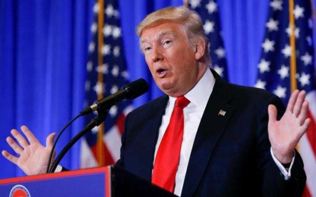 Падіння Трампа: президент США дав власне пояснення