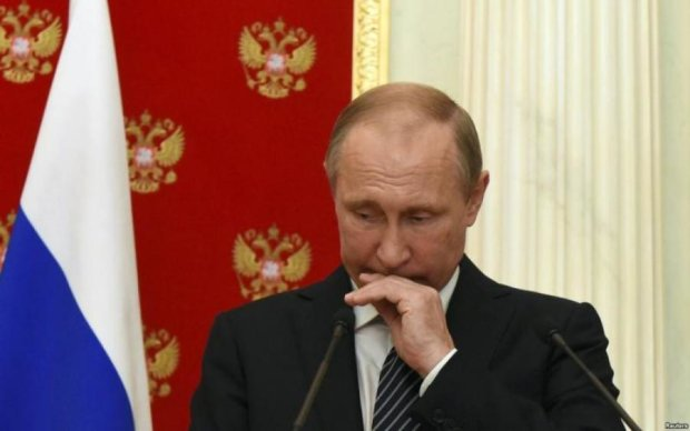 Комплекс росту: черговий курйоз Путіна розсмішив мережу