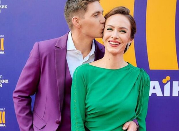 """Супруга Вовы Остапчука засветила свои идеально стройные ножки: """"Самая красивая пара"""""""