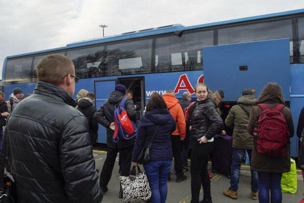 Не тільки Польща - звідки українські заробітчани відправляють додому найбільше грошей