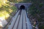 Адский взрыв уничтожил дорожный тоннель: много пострадавших