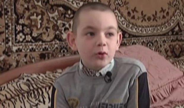 На Рівненщині старшокласники катували хлопчика шилом