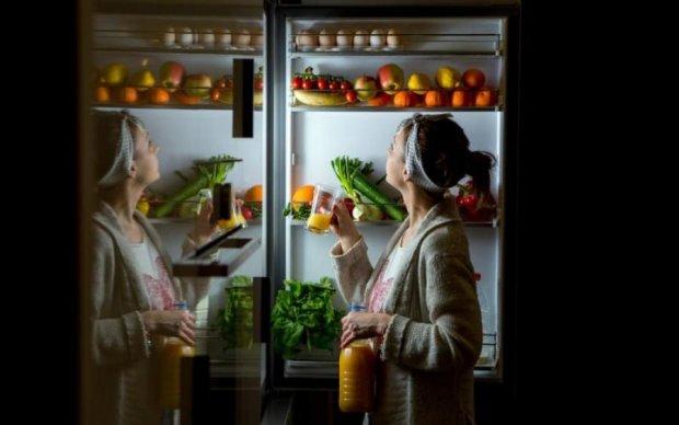 """Їжте на ніч і не товстійте: топ """"нічних"""" продуктів"""