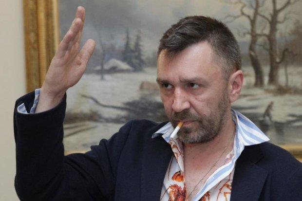 """Инферно-карлик: Шнуров творчески оскорбил посулившего ему """"адские муки"""" протоиерея"""