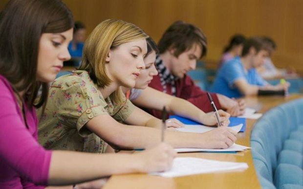 Студенты обязаны: власти нашли крайнего в борьбе с коррупцией