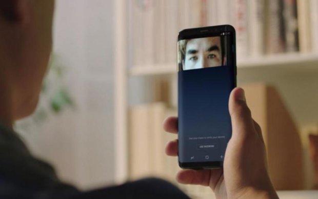 Samsung прокомментировала взлом сканера сетчатки в Galaxy S8
